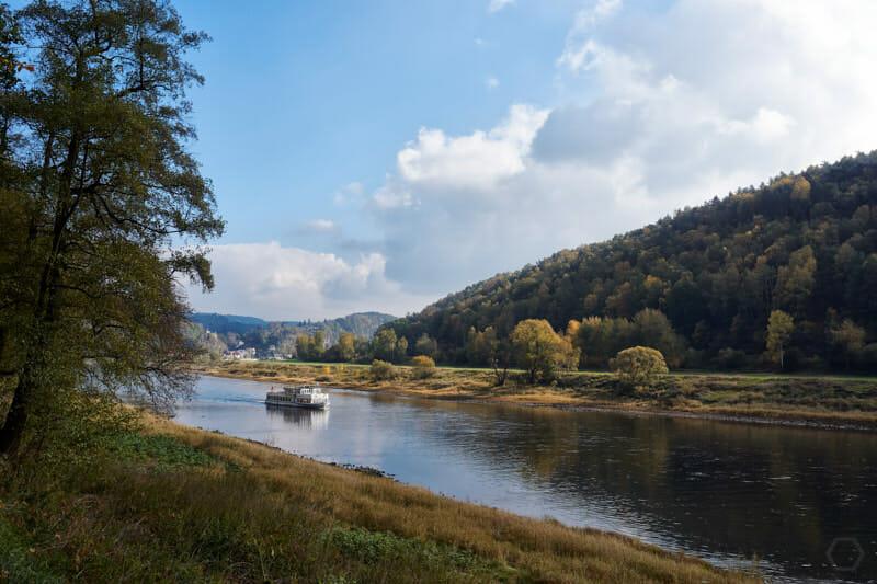 Elberadweg zwischen Wehlen und Rathen