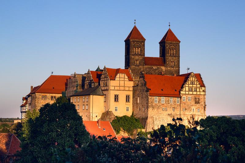 Fernwehbus Quedlinburg Schloss vom Münzenberg