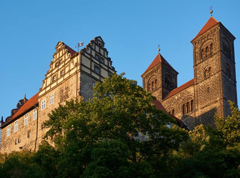 Quedlinburg Sehenswürdigkeiten Schloss Fernwehbus - St. Servatius und Quedlinburger Schloss